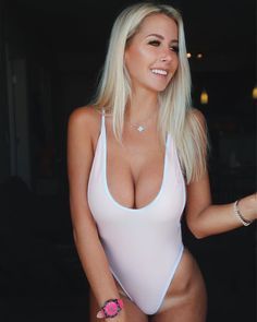 You could go out and introduce yourself to a hundred women today, and get a bunch of numbers. but you'd blow yourself right out of the water from the sheer effort. Dating Women, Dating Girls, Sexy Bikini, Bikini Girls, Girls Near Me, Find Girls, Girls 4, Local Girls, Single Women