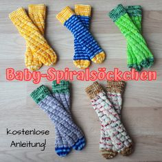 Tricot Simple, Diy Bebe, Everything Pink, Baby Socks, Cool Socks, Kids And Parenting, Fingerless Gloves, Baby Knitting, Arm Warmers