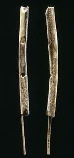 la flauta mas antigua del mundo (42,00 años) hallada en la cueva Geissenkloesterle, Alemania