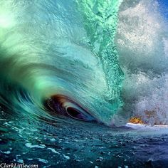 Waves in Hawaii
