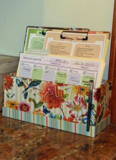 My Great Challenge: Home Management Filing System. Perfect solution to minimize paper clutter and stay on top of important paperwork and bills! Bill Organization, Organizing Paperwork, Home Organisation, Household Organization, Organizing Ideas, Basket Organization, Organising, Kitchen Organization, Agenda Planning