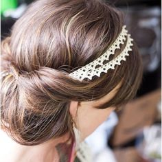 Got to try this with the hair... It's so easy!!! Just loop the hair around the headband!