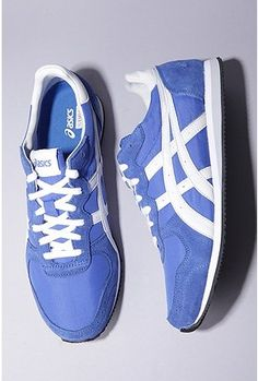 Asics corrido sneaker.wondering if I couldn't pull a pair of these off