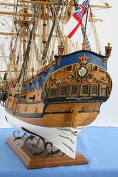 Close-up photos of ship model East Indiaman of a ship operating under charter or license of the East India Companies Model Sailing Ships, Old Sailing Ships, Hms Prince Of Wales, Scale Model Ships, Scale Models, Model Warships, Model Ship Building, Lego Ship, Ship Of The Line