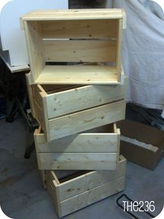 DIY Wooden Crates - what if we get crates and paint them white or pastel colors or muted grey and turned them into shelves by nailing small boards on the inside for a DIY condiments cabinet? Too expensive? Custom Woodworking, Woodworking Projects Plans, Teds Woodworking, Small Wooden Crates, Diy Wooden Crate, Crate Bookshelf, Palette, Wood Boxes, Diy Furniture