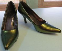 """""""MAURICES"""" SIZE 7.5 IRRIDESENT GREEN PUMPS SHOES - PLEASE SEE ALL PICTURES #MAURICES #PumpsClassics"""
