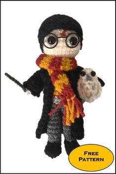 Free Mini Harry Potter Amigurumi Pattern (crochet) - Daisy and Storm Pokemon Crochet Pattern, Crochet Amigurumi Free Patterns, Crochet Dolls, Free Crochet, Knitting Patterns, Tricot Harry Potter, Harry Potter Crochet, Mario Crochet, Crochet Daisy