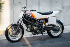 Mini Monster: Deus Japan reworks the Honda VTR250 into a street tracker. Perfect for blasting around the tight streets of downtown Tokyo.