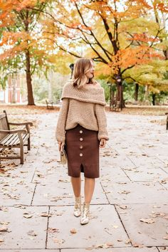 34 Thanksgiving Outfit Ideas - The Savvy Camel - Bohemian Life Style Dressy Fall Outfits, Teen Fall Outfits, Fall Fashion Outfits, Unique Outfits, Holiday Outfits, Teen Fashion, Cute Outfits, Girly Tomboy Fashion, Booties Outfit