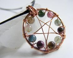 Recycle Reuse Renew Mother Earth Projects: How to Make a Wire Beaded Pentacle Pendant Wire Jewelry Designs, Metal Jewelry, Crystal Jewelry, Diy Jewelry, Beaded Jewelry, Handmade Jewelry, Jewelry Making, Jewellery, Pentacle
