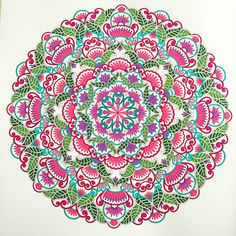 Mandala uit het enige echte mandala kleurboek Adult Coloring, Coloring Books, Kaleidoscope Images, Namaste, Hamsa Art, Mandala Meditation, Macro Flower, Colouring Techniques, Mandala Coloring