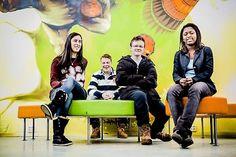 Les om Audun, Jacqueline, Alexander og Loubne som har startet ungdomsbedriften Innenfor for å hjelpe unge å få sin første jobb!        Alle fire er elever i Entreprenørskap ved Lambertseter videregående.