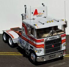 Rc Cars And Trucks, Show Trucks, Mack Trucks, Big Rig Trucks, Custom Trucks, Plastic Model Kits, Plastic Models, Peterbilt Dump Trucks, Livestock Trailers