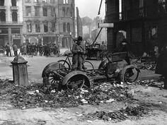 The Easter Rising, Ireland, 1916 . Barricades of motor cars placed across Dublin streets to break up rebel attacks and to afford cover. From The Royal Jubilee Book [Associated Newspapers. Get premium, high resolution news photos at Getty Images Ireland 1916, Irish Independence, Car Places, Ireland Holiday, Dublin Street, Easter Rising, Major Holidays, Army Soldier, Old Photos