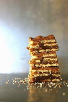 Salt River Bars - better than a Twix! chocolate, peanut butter, butterscotch, caramel & club crackers! A must make! #dessert #bar