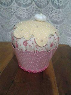 Cupcakes para decoração de mesa.