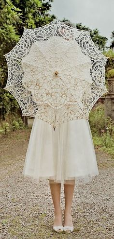 vintage lace parasol for wedding #wedding #vintage #lace #parasol
