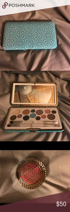 Jonathan Adler for Clinique palette and blush Limited edition palette and blush from Summer 2017 with designer Jonathan Adler  Never been used. from a smoke and pet free home Clinique Makeup Eyeshadow