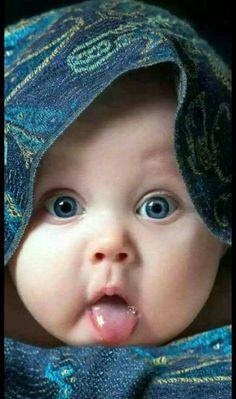 So cute baby :):):)♥♡♥♡♥♡ So Cute Baby, Cute Baby Pictures, Baby Kind, Baby Love, Cute Kids, Funny Pictures, Cute Baby Girl Pictures, Simple Pictures, Cute Girl Photo