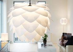 Je krijgt het er gelijk warm van, prachtige Silvia hanglamp! #Vita #Silvia | www.gewoonstijl.nl