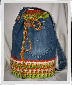 """Bolso mochila """"Africa""""  vaquero y ganchillo,exclusivo bolso ganchillo,bolso vaquero crochet pieza exclusiva,exclusive bag denim crochet de Pazypunto en Etsy"""