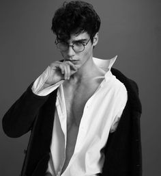 null # amreading # books # wattpad Pose Reference Photo, Art Reference Poses, Portrait Inspiration, Character Inspiration, Daddy Aesthetic, Photography Poses For Men, Les Sentiments, Male Poses, Pretty Men