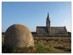 #Bretagne #Finistere la chapelle de Saint Vio #bigouden © Paul Kerrien  http://toilapol.net