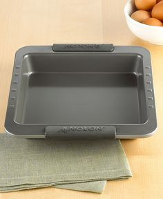 Anolon Square Cake Pan ** Final call for this special discount : Baking pans Cake Pan Sizes, Square Cake Pans, Bakeware, Baking Pans, Sweet Treats, Tray, Cooking, Cucina, Sweets