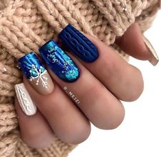 Nail Designs Pictures, New Nail Designs, Winter Nail Designs, Christmas Nail Designs, Acrylic Nail Designs, Xmas Nails, Holiday Nails, Christmas Nails, Glitter Nails