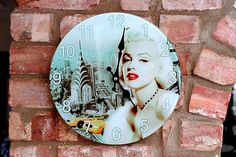 Vintage Glass Quartz Wall Clock 'Marilyn Monroe'
