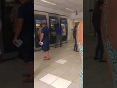Inocente´s: Homem muito feliz ao receber FGTS dançando no caix...