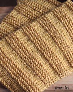 Żółty komin na drutach