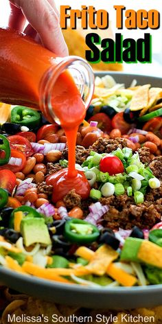 The whole family will love this crunchy delicious frito taco salad tacosalads tacos salads saladrecipes dinnerideas southernrecipes southernfood easygroundbeefrecipes beef spicy tomato cucumber salad with peperoncini Frito Taco Salad, Taco Salad Bowls, Soup And Salad, Fritos Salad, Taco Taco, Beef Salad, Pasta Salad, Easy Taco Salad Recipe, Taco Salad Recipes