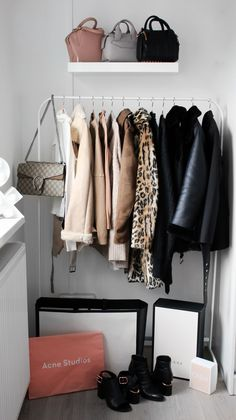 Now that the new year is here, it's the perfect timing to clean out our wardrobes and only keep pieces we actually love. In this Winter Fashion Guide I'm going to share with you all my favorite trends, but also my musthave basics for the new season! http://www.lily-like.com/winter-fashion-guide-trends-capsule-wardrobe-basics/