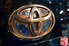 A very interesting and unique toyota logo with clockwork internals | Toyota Emblem Clock