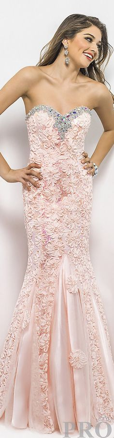 Formal long dress #strapless #lace #peach