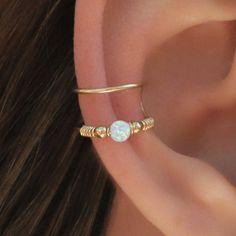 Gold Ear Cuff Fake Piercing Faux Piercing Fake Conch no Fake Piercing, Septum Piercing, Cute Ear Piercings, Cartilage Ring, Orbital Piercing, Double Helix Piercing, Bellybutton Piercings, Helix Ear, Double Cartilage