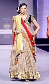 Google Image Result for http://bp.funrahi.com/2013/05/vikram-phadnis-collection-at-rajasthan-fashion-week-2013/vikram-phadnis-collection-at-rajasthan-fashion-week-2013-30369.jpg