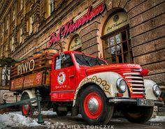 """""""Pod Wawelem"""" Restaurant Company Kuflowa ul. St. Gertrude 26-29 31-069 Krakow, Poland Tel .: +48 12 421 23 36 Fot.Siwadłowski"""