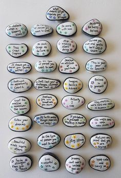 Many people believe that there is a magical formula for home decoration. You do things… Rock Painting Patterns, Rock Painting Ideas Easy, Rock Painting Designs, Rock Painting Supplies, Pebble Painting, Pebble Art, Stone Painting, Pour Painting, Painted Rocks Craft