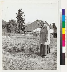 Therese Bonney, Gertrude Stein, Garden at Bilignin, 1941 Human Rights Issues, Writers, Authors, History Of Photography, Vintage Paris, Strong Women, Alice, 1920s, Rebel