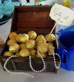 Golden chocolate treasures at a pirate birthday party! See more party planning i. - Golden chocolate treasures at a pirate birthday party! See more party planning ideas at CatchMyPart - Mermaid Theme Birthday, Little Mermaid Birthday, Little Mermaid Parties, Pirate Birthday, Birthday Party Themes, Birthday Kids, Baby Shower Mermaid Theme, Sailor Birthday, Mermaid Baby Showers