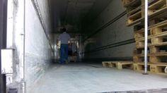 11 mei - pallets met goederen aangekomen bij Villafelis