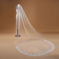 Voile Mariage One Layer Lace Edge White Ivory Cathedral Wedding Veil Long Bridal Veil Cheap Wedding Accessories Veu de Noiva Ivory Wedding Veils, Ivory Veil, Cathedral Wedding Veils, Lace Veils, Bridal Veils, Hair Wedding, Wedding Dresses, Wedding Outfits, Elegant Wedding