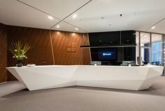 New 2018 Z shape artificial stone salon reception desk Office Reception Design, Salon Reception Desk, Reception Furniture, Reception Counter, Office Space Design, Office Interior Design, Office Interiors, Lobby Reception, Lobby Furniture