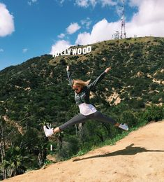 Hiking the Hollywood Sign Los Angeles, California Canada Travel, Travel Usa, Travel Packing, Packing Hacks, Packing Lists, Santa Monica, Hollywood Sign Hike, California Pictures, Las Vegas