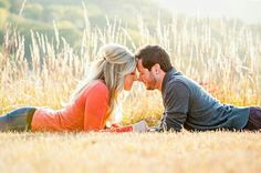 18 poses for your engagement photos - # for . - 18 poses for your engagement photos – - Engagement Shots, Fall Engagement, Engagement Couple, Engagement Ideas, Family Engagement Pictures, Engagement Photo Shoots, Outdoor Engagement Photos, Country Engagement, Couple Photography Poses
