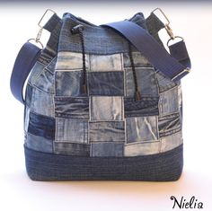 62 ideas patchwork jeans diy ideas for 2019 Blue Jean Purses, Diy Sac, Denim Tote Bags, Diy Jeans, Patchwork Jeans, Recycled Denim, Big Bags, Handmade Bags, Sewing