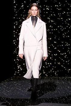 Boss Fall 2002 Ready-to-Wear Fashion Show - Lothar Reiff, Aurélie Neukens