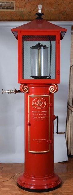 """Raymond """"4 in1 Justice"""" 5 Gallon Visible Gas Pump. : Lot 103"""